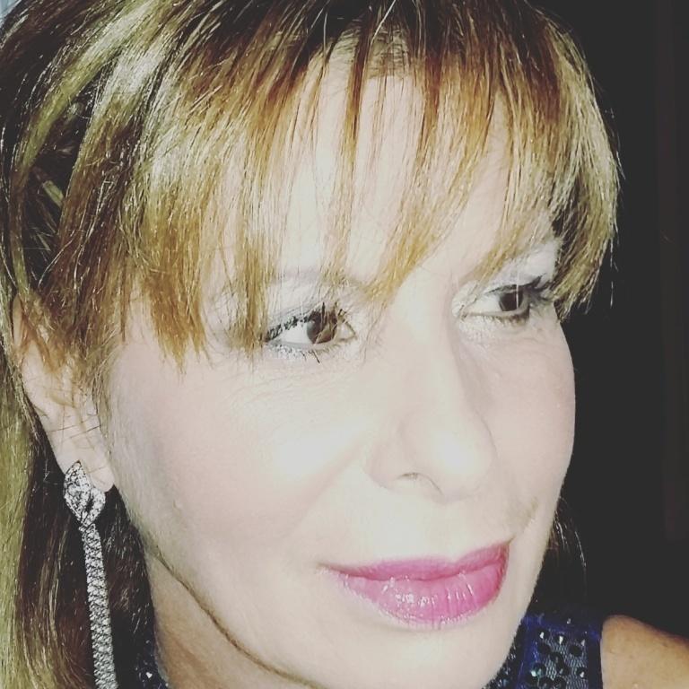 Cabelo e maquiagem para festas . Feito Pela Hair Stylist no Golden Beauty Care.  ##curitiba #Curitibacool #isabelcabelo #isabelhair  cabeleireiro(a)