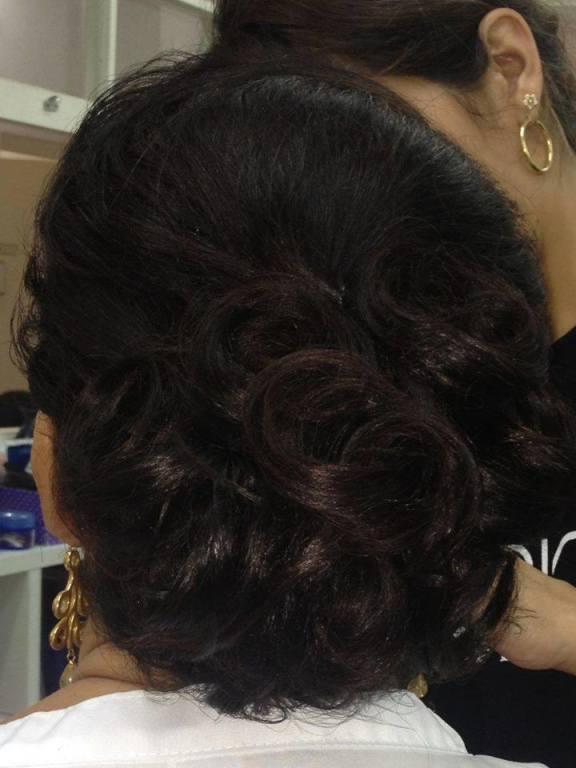stylist / visagista cabeleireiro(a) maquiador(a) designer de sobrancelhas