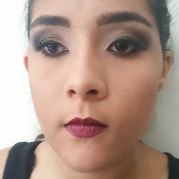 manicure e pedicure estudante (maquiador) assistente maquiador(a) assistente esteticista