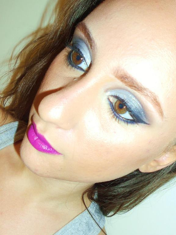 #makeup #carolseixasmakeup #ilovemyjob #ilovemakeup #casamento #wedding #noiva #noivinha  #madrinha #debutante #maquiagem #sobrancelhas #beleza #prata #azul maquiador(a) esteticista