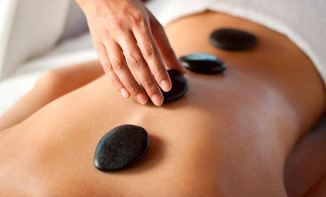Massagem com Pedras Quentes terapeuta aromaterapeuta massagista outros vendedor(a)