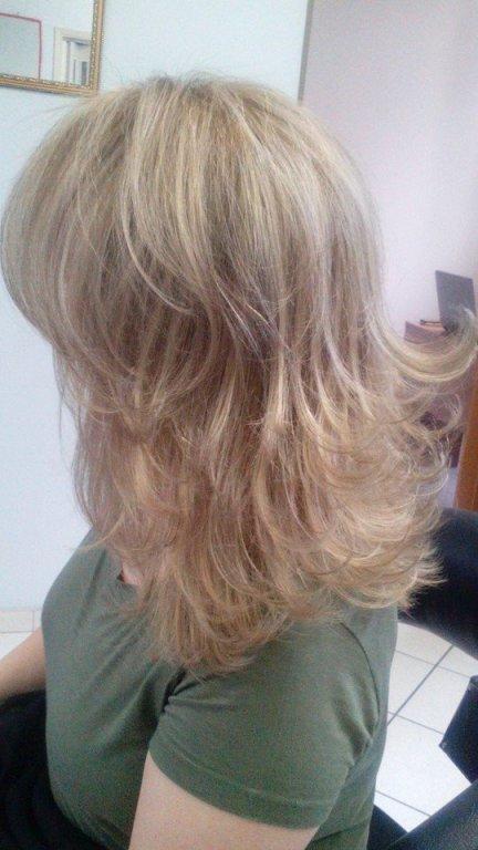 Mechas Invisible Highlights perola e capuccino dão um ar mais sofisticado  cabeleireiro(a) maquiador(a)