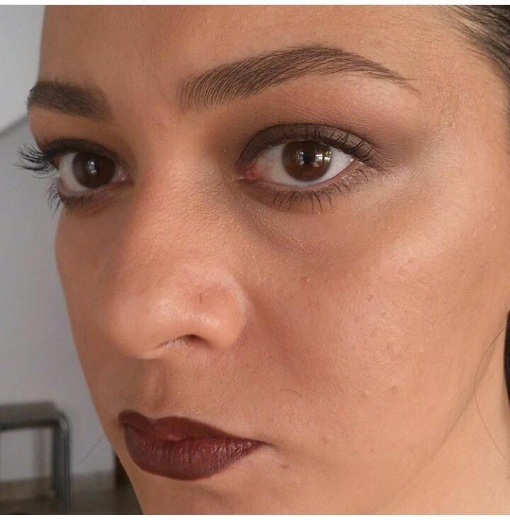 Maquiagem Anos 90 maquiador(a) designer de sobrancelhas