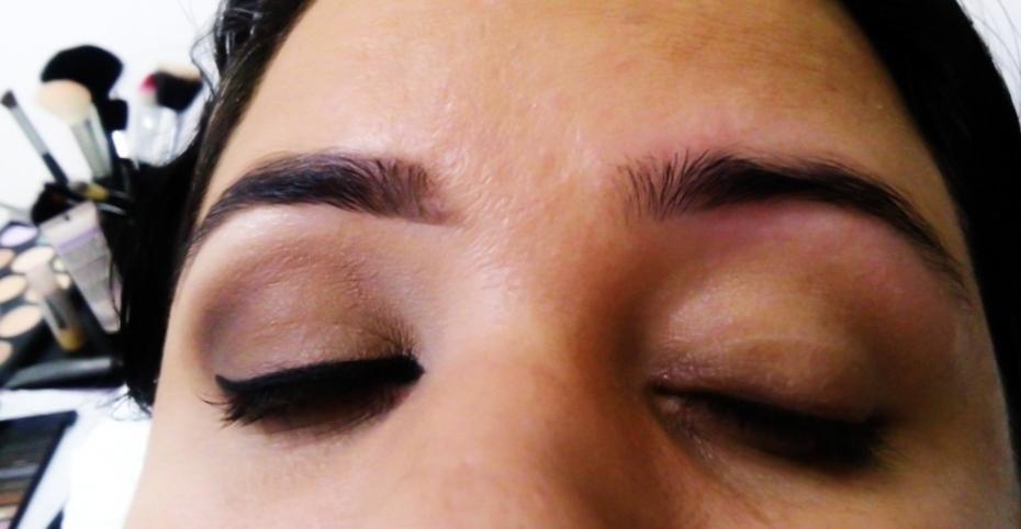 Preparando.. #make #maquiagem #makeleveparadia designer de sobrancelhas maquiador(a)