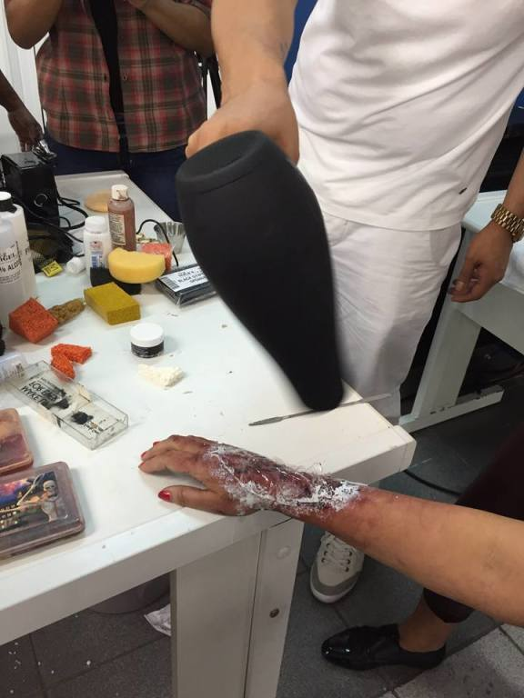 Hollywood Makeup Lab BRUNA NOGUEIRA /EFEITOS maquiador(a) docente / professor(a)