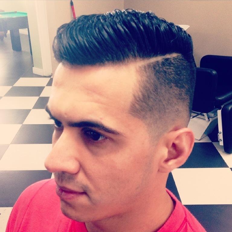 Instagram: @rubz.barber barbeiro(a)