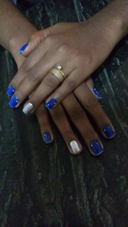 Postiça com Strauss  manicure e pedicure