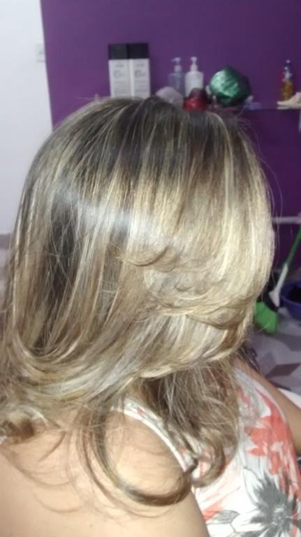 cabeleireiro(a) cabeleireiro(a) cabeleireiro(a) stylist / visagista cabeleireiro(a) cabeleireiro(a) escovista stylist / visagista designer de sobrancelhas