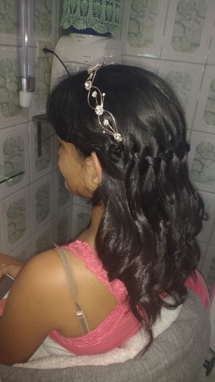 auxiliar cabeleireiro(a) estudante (maquiador)