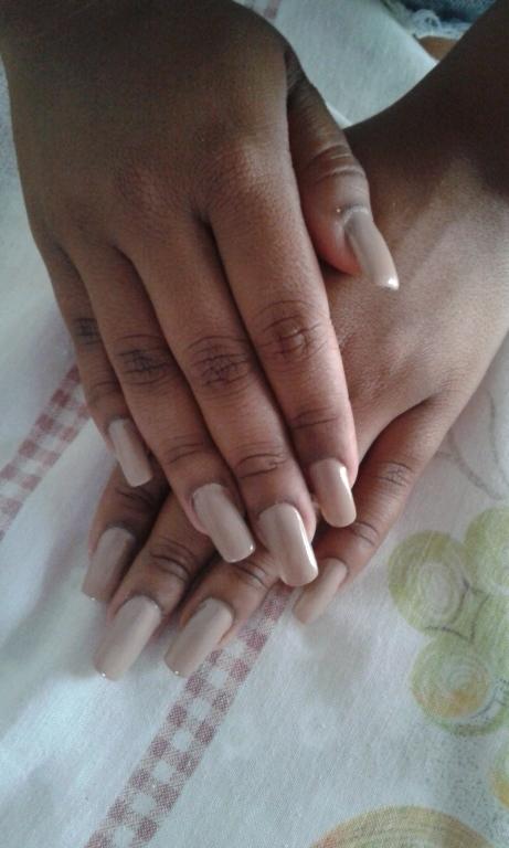 Em.gel manicure e pedicure