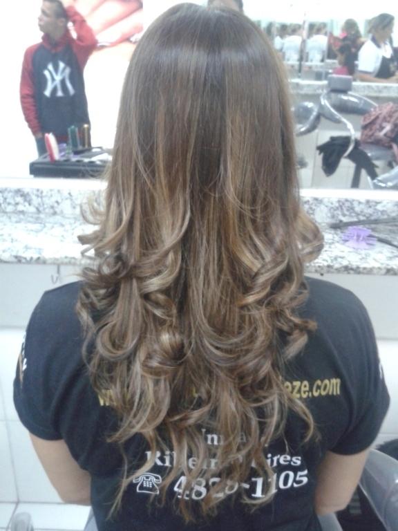 estudante (cabeleireiro) auxiliar cabeleireiro(a)
