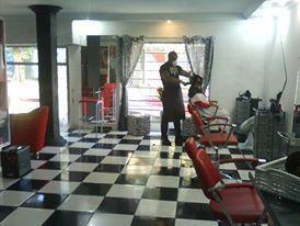 Salão Cia Beauty Hair meu salao aqui trabalhei por uns 10 anos.  cabeleireiro(a) barbeiro(a)
