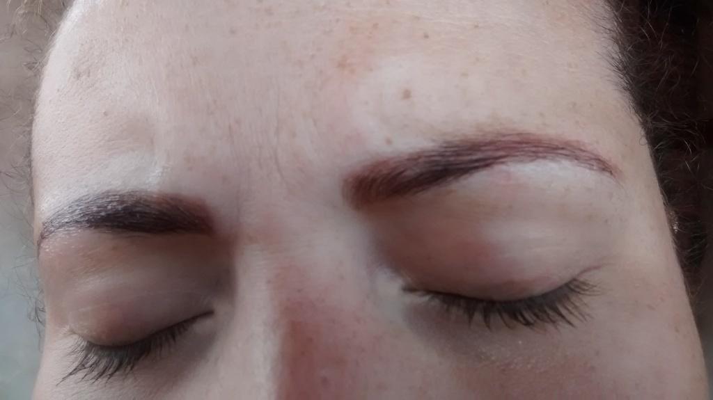 podólogo(a) assistente maquiador(a) auxiliar cabeleireiro(a) assistente esteticista manicure e pedicure designer de sobrancelhas depilador(a) outros