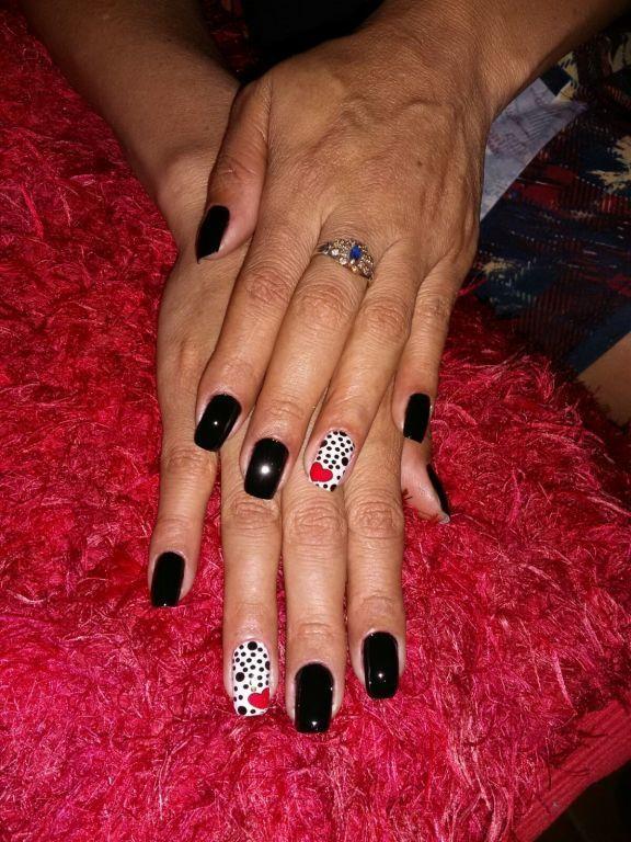 Porque Mulher decidida usa #Preto! manicure e pedicure