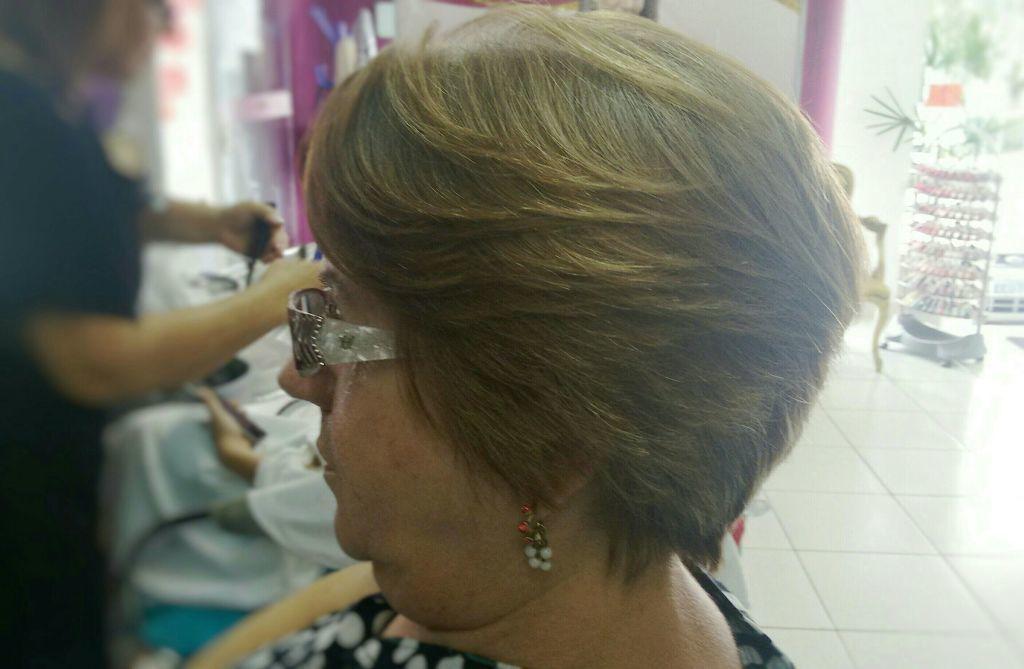 estudante (visagista) cabeleireiro(a)