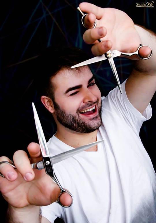 cabeleireiro(a) empresário(a) maquiador(a)