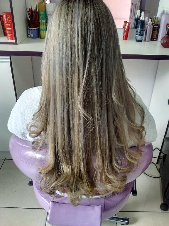 Depois mechas platinadas empresário(a) cabeleireiro(a)
