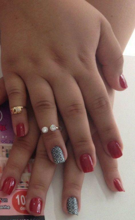 #EsmaltaçãoemVermelho #Películarenda manicure e pedicure