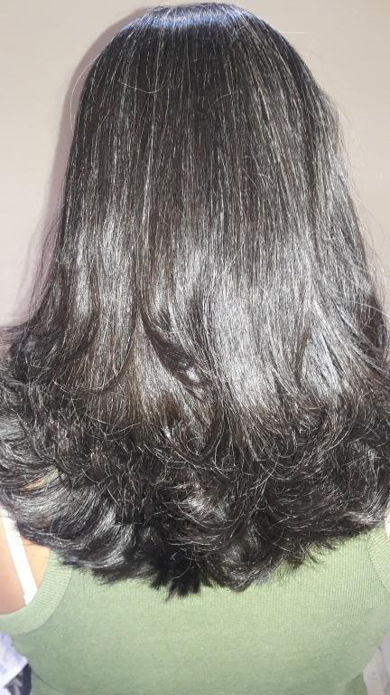 Nutrição com escova modelada. cabeleireiro(a)