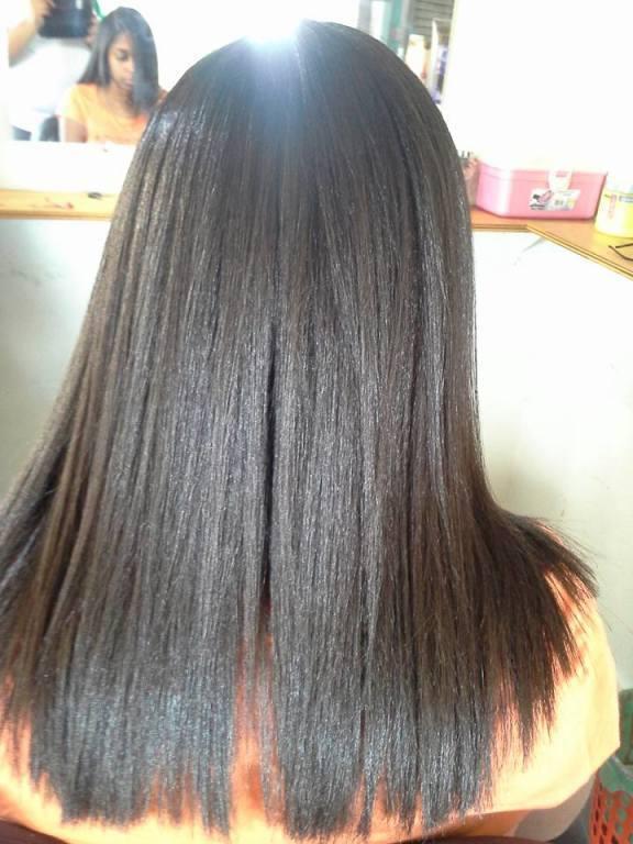 Escova progressiva. DEPOIS cabeleireiro(a) maquiador(a) designer de sobrancelhas depilador(a)