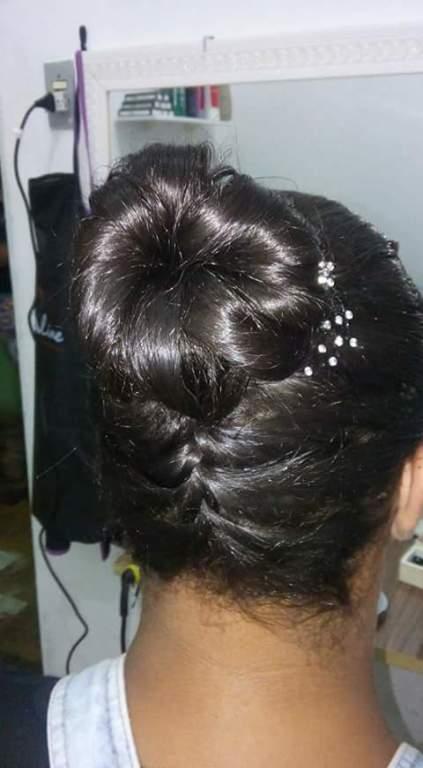 Penteado ( trança invertida) cabeleireiro(a)