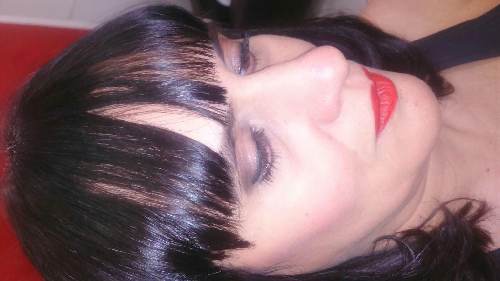 maquiador(a) designer de sobrancelhas manicure e pedicure