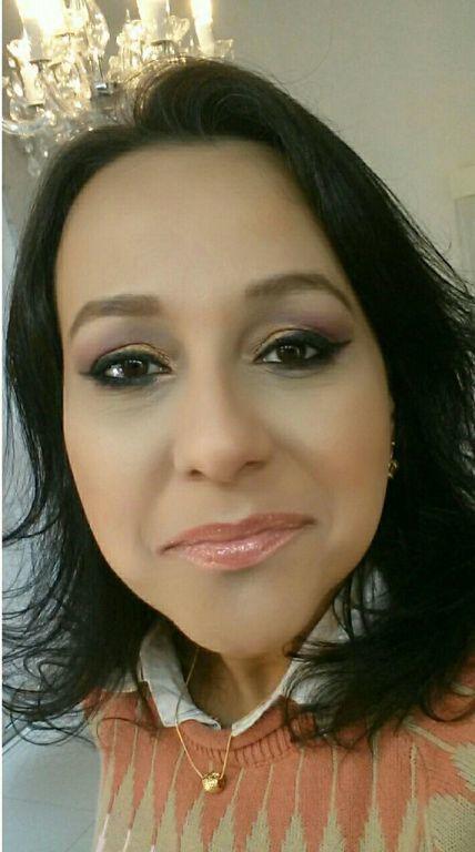 maquiador(a) micropigmentador(a) designer de sobrancelhas