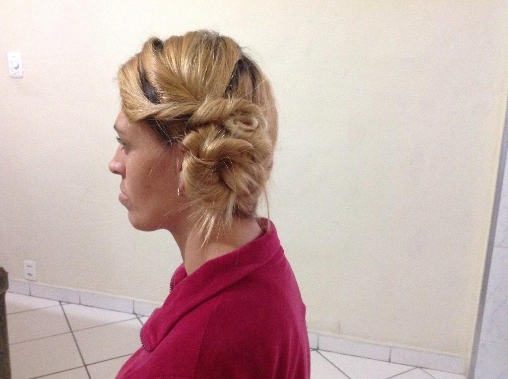 Criando penteado cabeleireiro(a) maquiador(a)