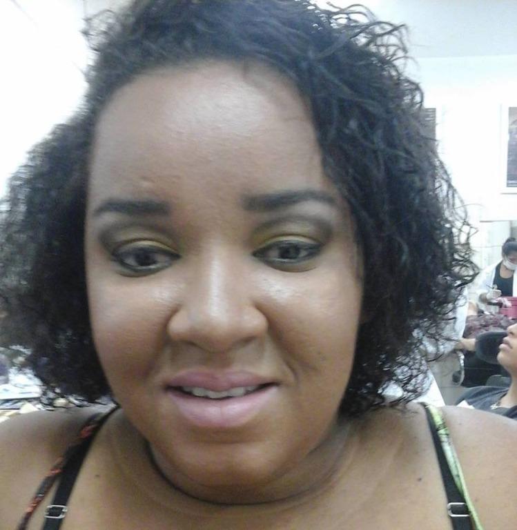 Make pele negra #cutcrease #dourado #esfumado #pelenegra #maquiagemparanegras #makeup #maquiagemprofissional #festas #casamento maquiador(a) assistente maquiador(a) designer de sobrancelhas depilador(a)