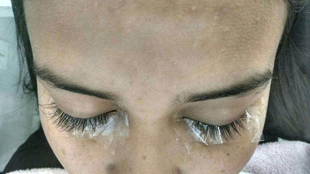 Alongamento de Cílios Fio a Fio outros esteticista designer de sobrancelhas depilador(a)