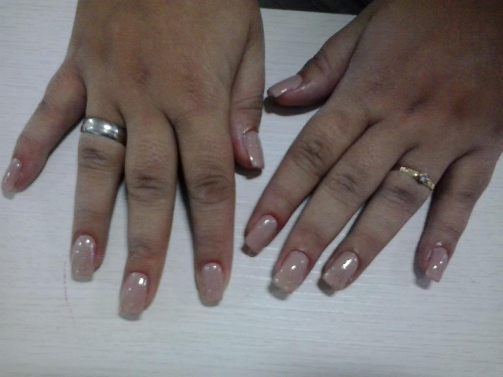 Unhas de fibra de vidro.  cabeleireiro(a) manicure e pedicure depilador(a) maquiador(a)