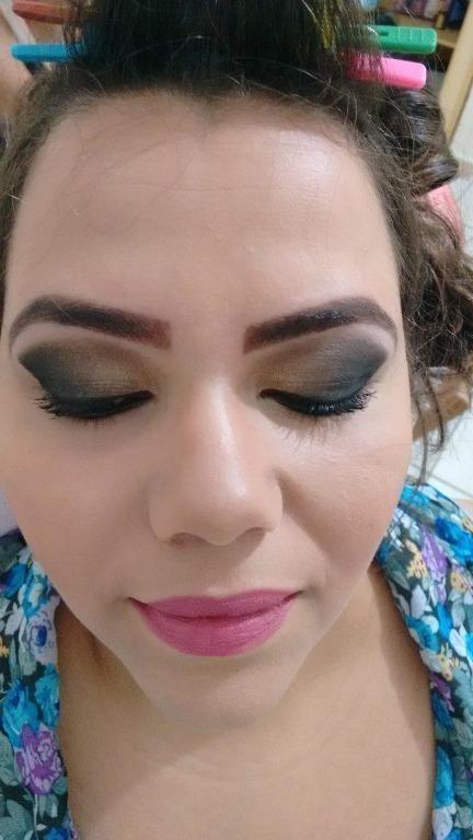 esteticista designer de sobrancelhas depilador(a) maquiador(a)