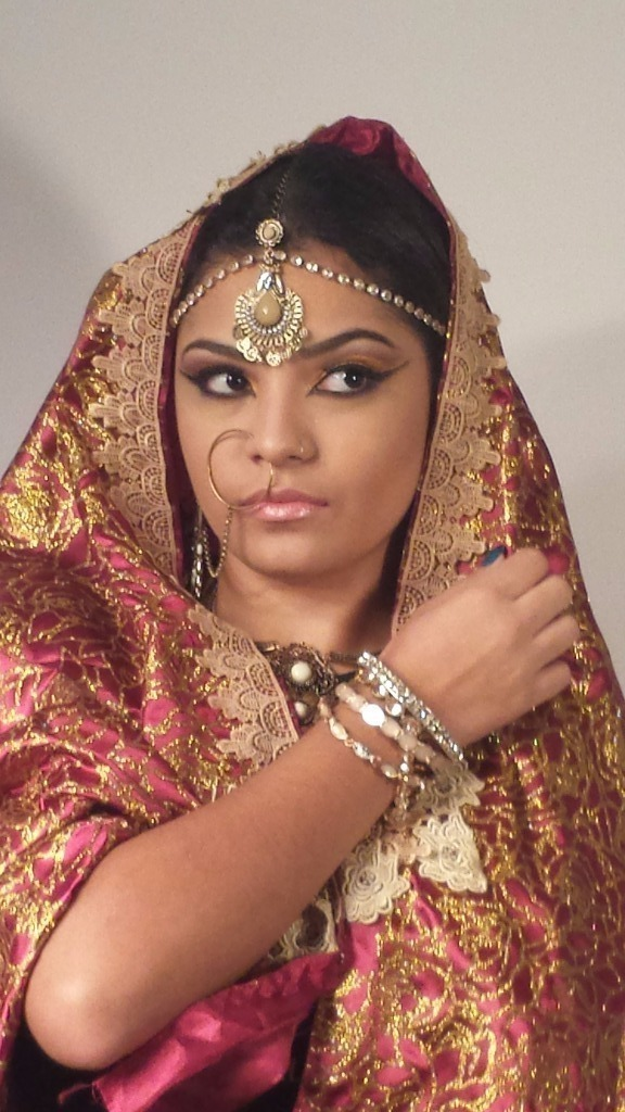 Making off. Maquiagem  artística. Indiana. Olhos com técnica cut cease e delineado árabe/indiano. maquiador(a) cabeleireiro(a) consultor(a) em imagem