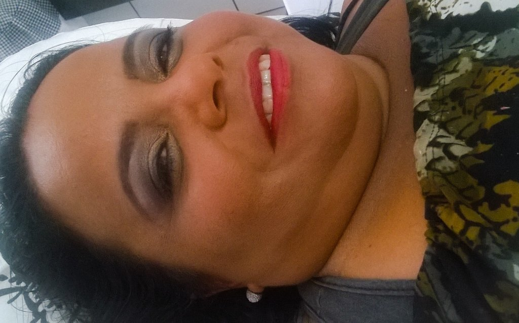 maquiador(a) designer de sobrancelhas consultor(a) maquiador(a)