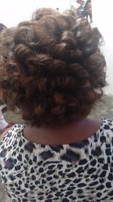 Progressiva e corte...  cabeleireiro(a) auxiliar cabeleireiro(a)