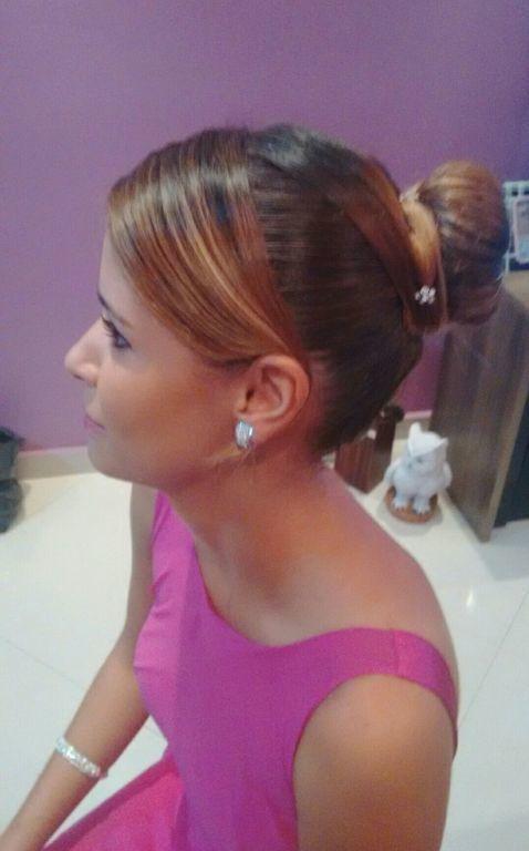 cabeleireiro(a) auxiliar cabeleireiro(a) recepcionista maquiador(a) designer de sobrancelhas