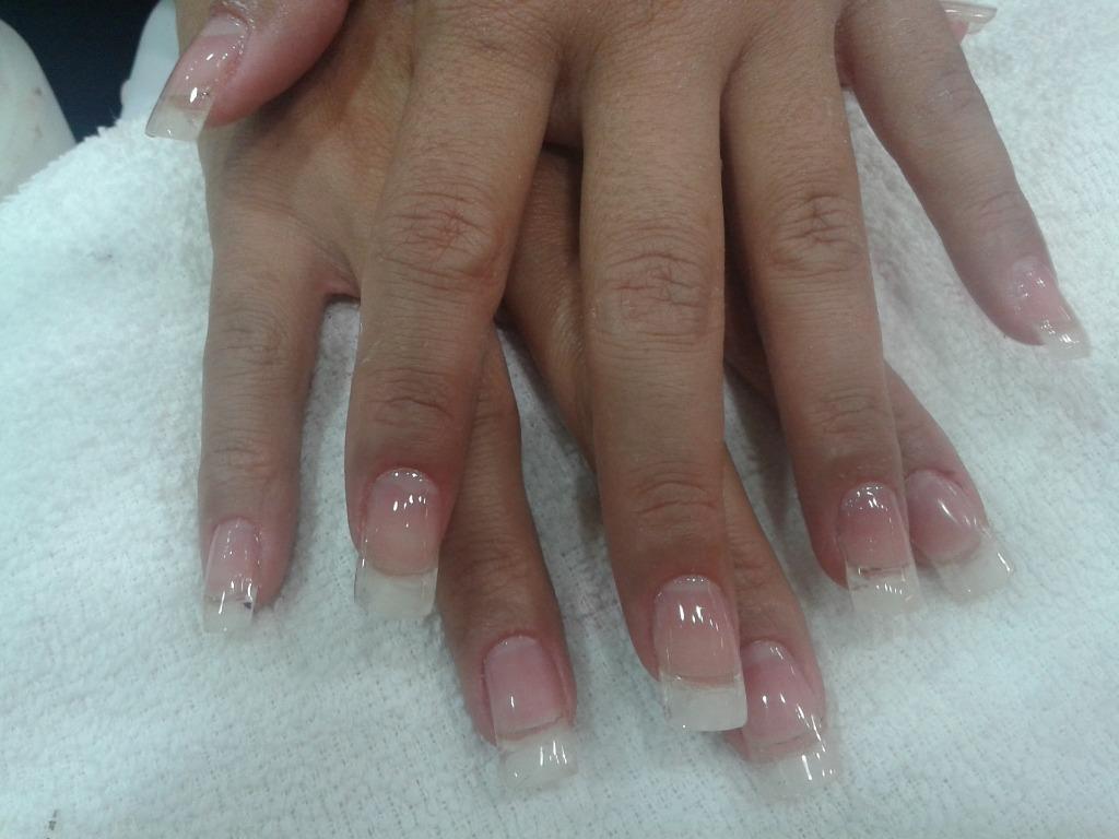 Alongamento de unha em gel moldada ou unhas de silicone manicure e pedicure