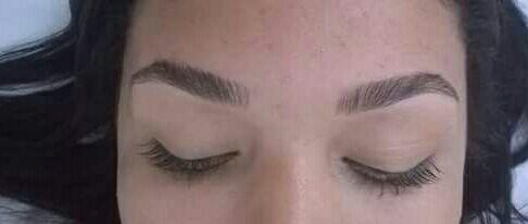 manicure e pedicure depilador(a) designer de sobrancelhas maquiador(a) estudante (manicure) estudante (cabeleireiro)