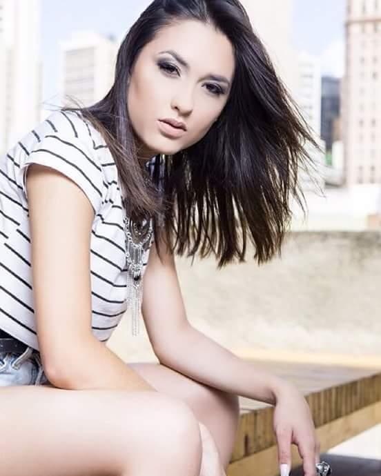 Maquiagem nude para Editorial, Modelo Suzi maquiagem maquiador(a) auxiliar cabeleireiro(a)