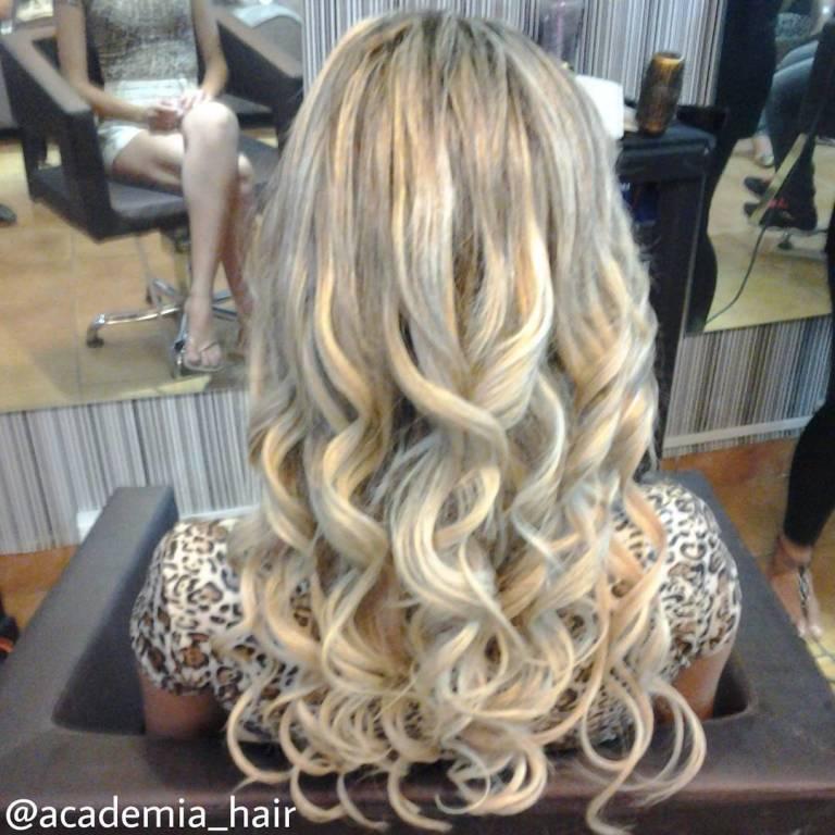 Mechas com mega hair. #mechas #megahair #platinado  stylist / visagista cabeleireiro(a)