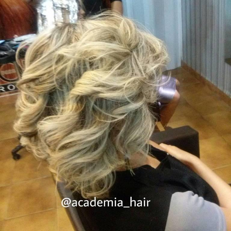 stylist / visagista cabeleireiro(a)