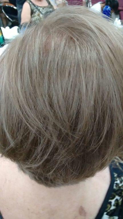 Cabelo 100% branco efeito cinza iceberg.... cabeleireiro(a)