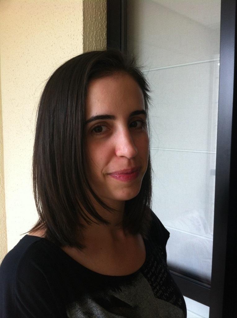 Foi feito progressiva e corte cabeleireiro(a) maquiador(a)