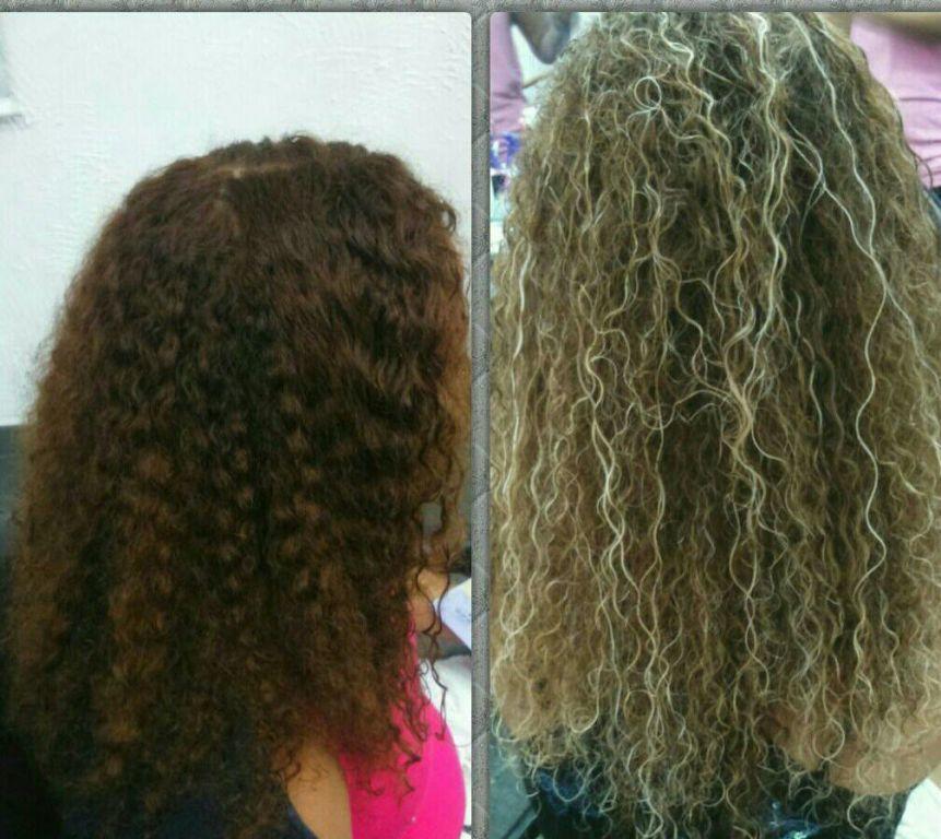 Mechas para realçar ainda mais os cachos cabelo cabeleireiro(a)