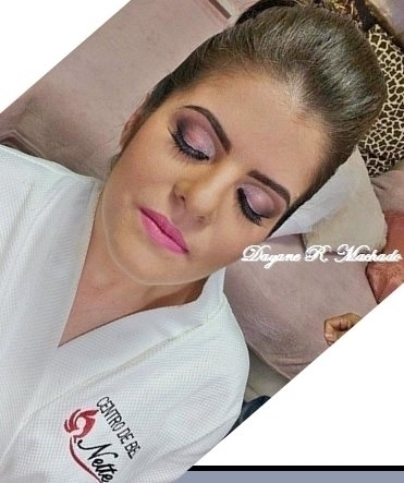 Primeira noiva do ano! Linda e delicada Layra! maquiador(a) designer de sobrancelhas micropigmentador(a) maquiador(a)