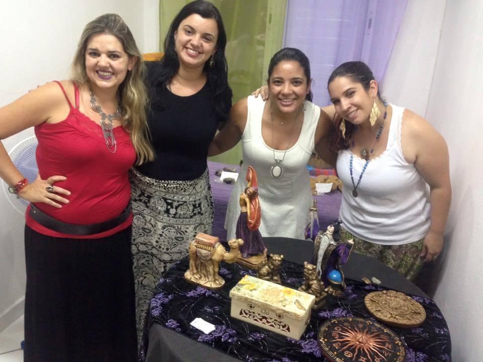 II Encontro Mystical Ladies no Cissa Maya - Arte e Cultura; 2015 terapeuta docente / professor(a) massoterapeuta massagista aromaterapeuta estudante (maquiador) assistente maquiador(a)