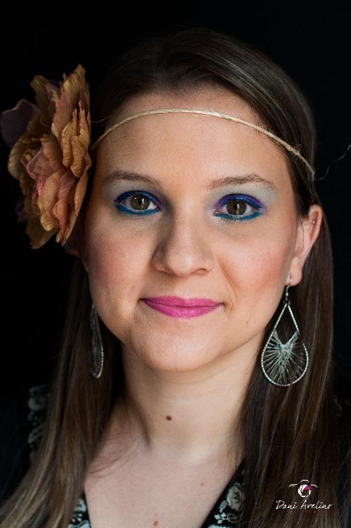 Maquiagem para ensaio fotográfico ao ar livre. #maquiagem #maquiadora  #maquilage m#maquiadoraprofissional #makeup #make #foto #fotografia #photo #fotografo #color #beauty #bookfotográfico #ensaiofotográfico #retrato cabeleireiro(a) maquiador(a) escovista designer de sobrancelhas depilador(a)