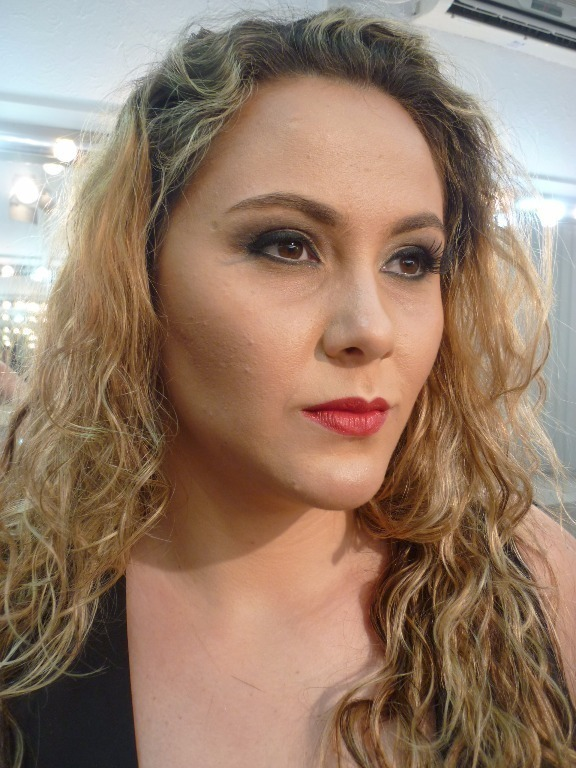Maquiagem para ensaio fotográfico #maquiagem #maquiadora  #maquilage m#maquiadoraprofissional #makeup #make #foto #fotografia #photo #fotografo #color #beauty #bookfotográfico #ensaiofotográfico #retrato  cabeleireiro(a) maquiador(a) escovista designer de sobrancelhas depilador(a)