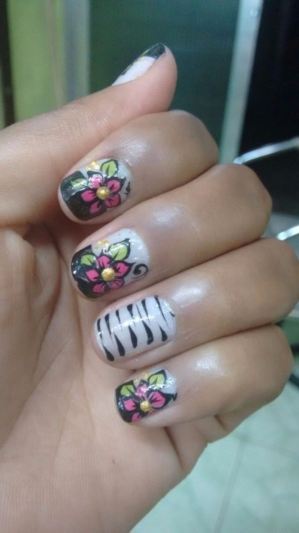 Decoração com adesivo manicure e pedicure