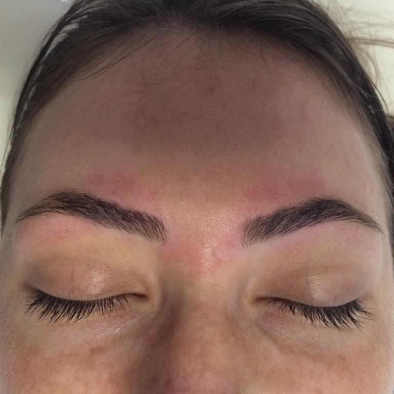 esteticista maquiador(a) depilador(a) designer de sobrancelhas massagista